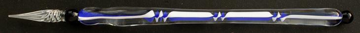 Handgearbeitete Glasfeder, Modell 3, Blau / Weiß