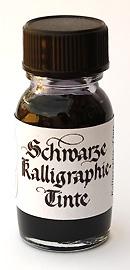 Schwarze Kalligraphie-Tinte