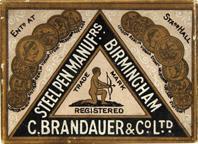 Antike Schachtel mit Zeichenfedern, C. Brandauer & Co, No. 311, Röhrchenfeder