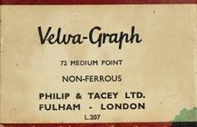 Antike Schachtel mit linksgeschrägten Schreibfedern, Philip & Tacey Ltd., Velva-Graph
